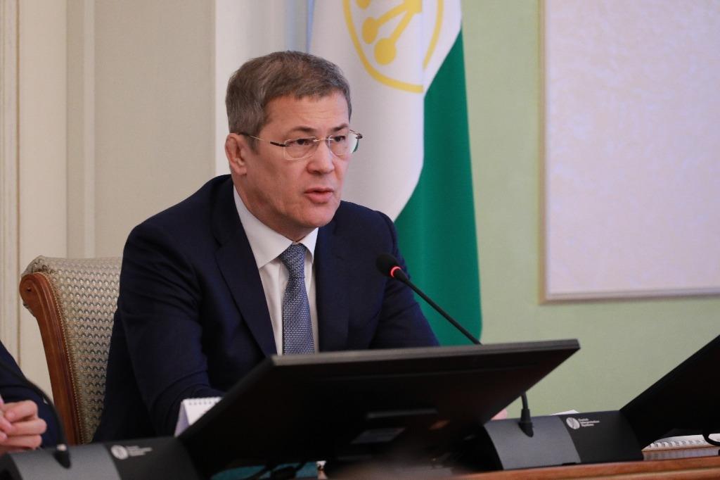 Радий Хабиров раскритиковал глав районов за установку некачественных систем освещения