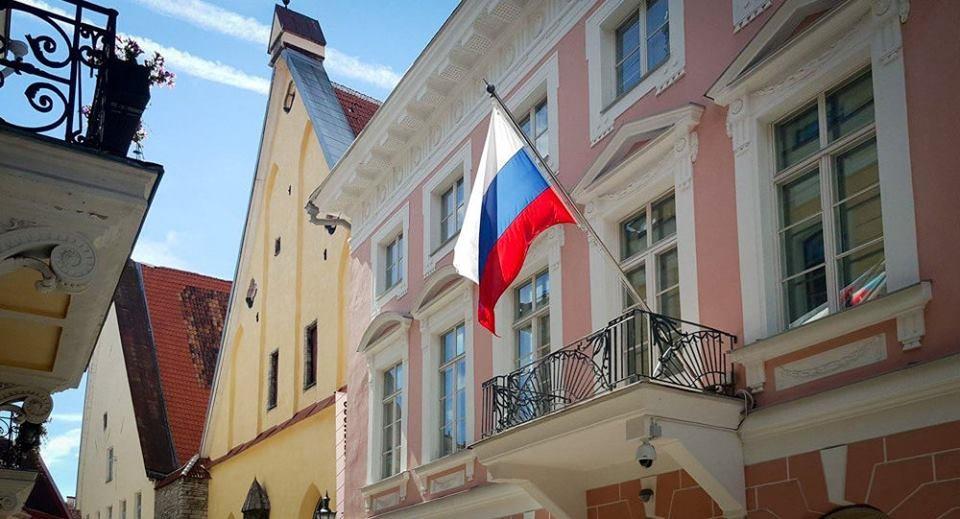 """К акции """"27 миллионов шагов за Победу"""" присоединилось Российской посольство в Эстонии!"""