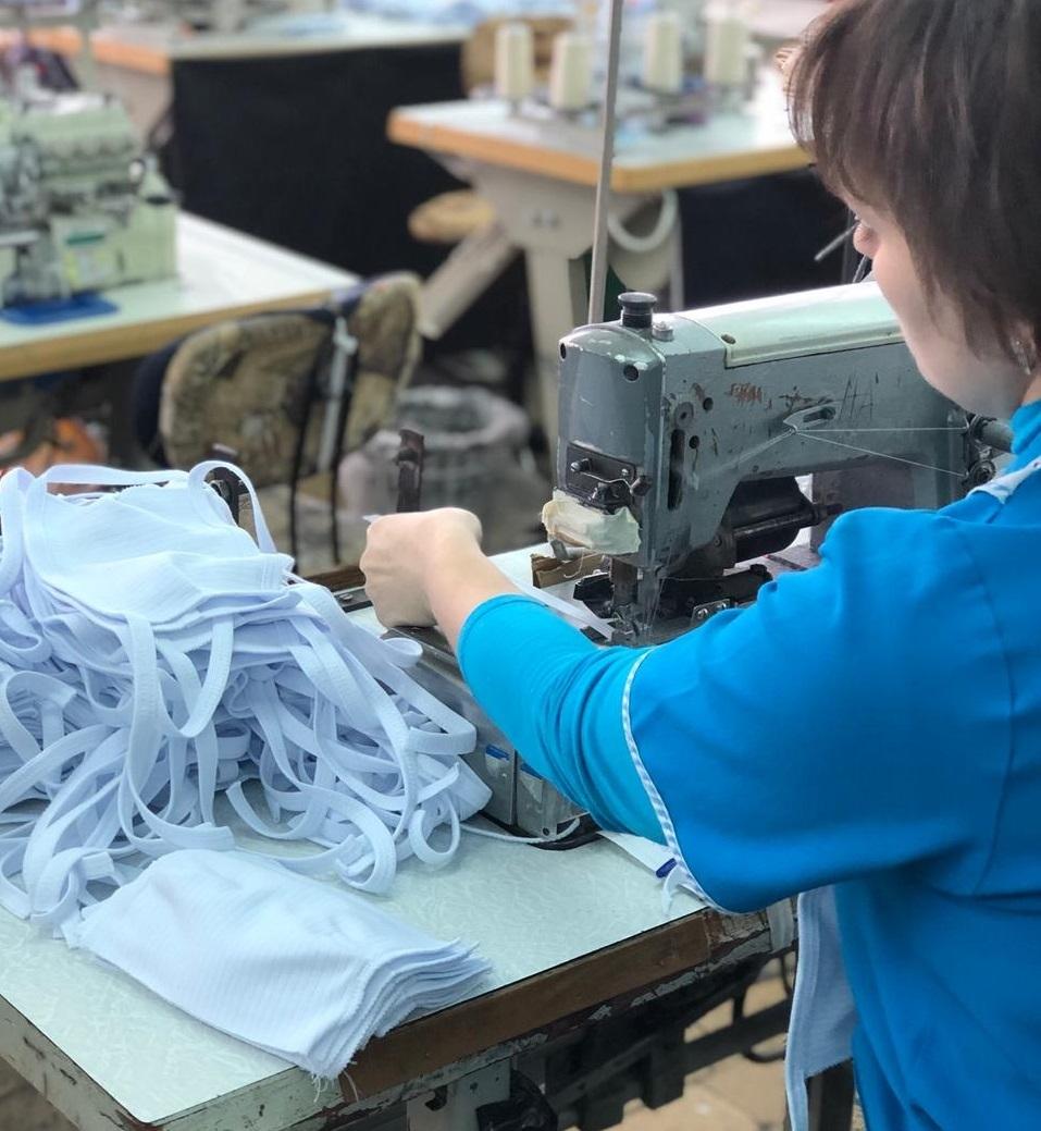 В республике 22 предприятия занимаются пошивом гигиенических масок