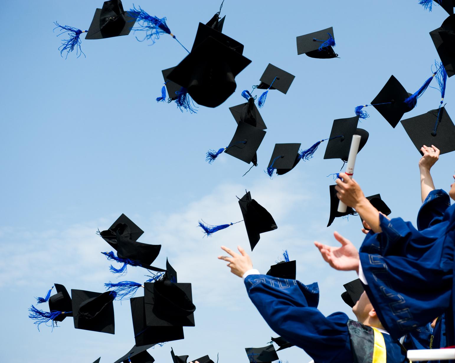 В сотый раз убедились, что кроме высшего образования нужно иметь хотя бы среднюю сообразительность... :)